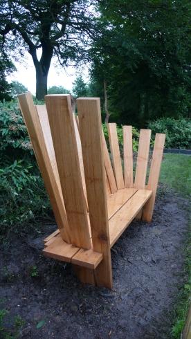 Spiral bench